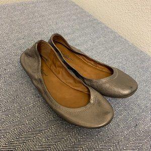 LUCKY BRAND - Metallic Flat
